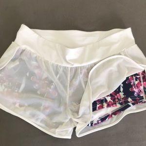 Ladies fabletics sz L work out shorts